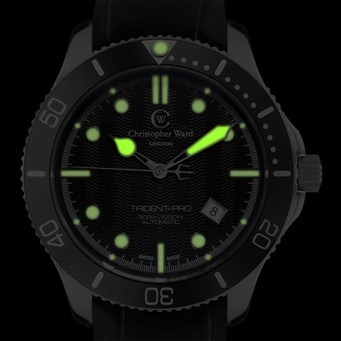C60 TRI SKS LUME 2 thumb Christopher Ward C60 Bond Review